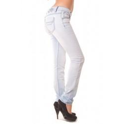 Jeans slim bleu clair....